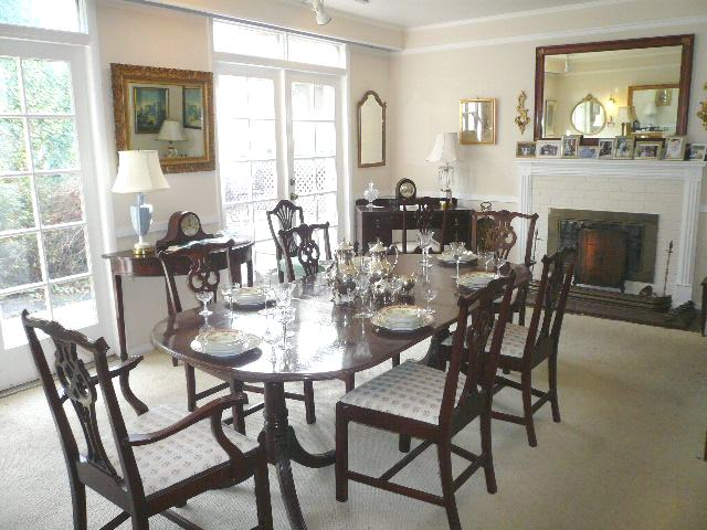 Chippendale Dining Room Chairs W/ Oval Dining Table